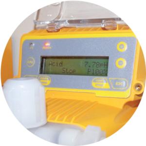 ERCA SAS ATHENA-pantalla-LCD-retroiluminada-300x300 Bombas dosificadoras electromagnéticas - Serie ATHENA.PR